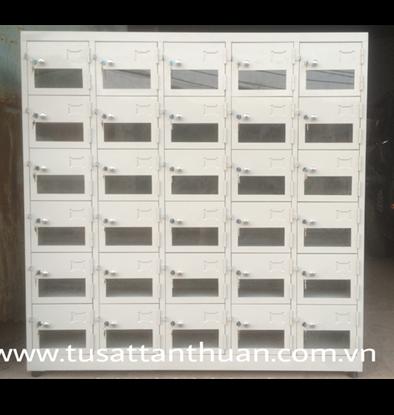 Tủ locker 30 ngăn cánh kính TCK30C5k